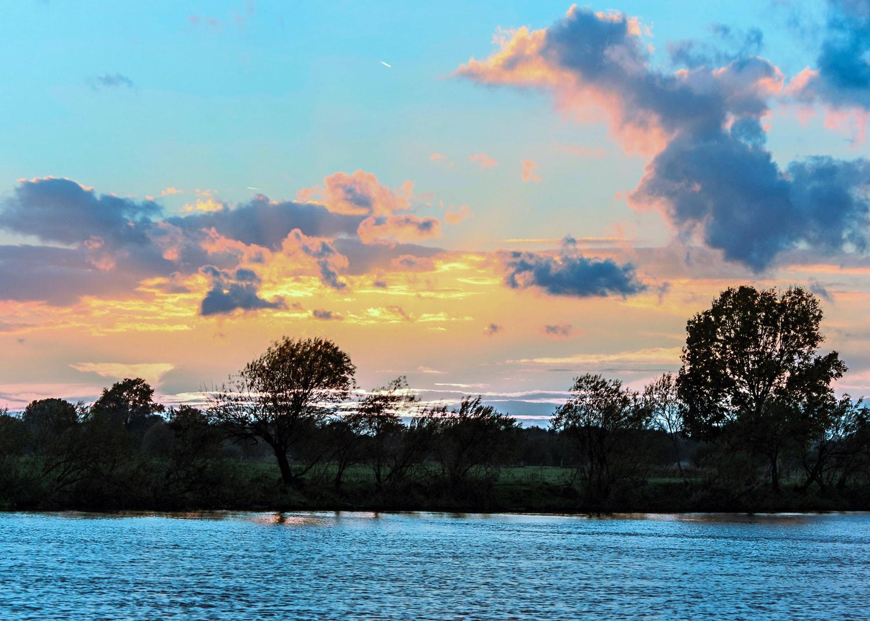 Sonnenuntergang über der Weser